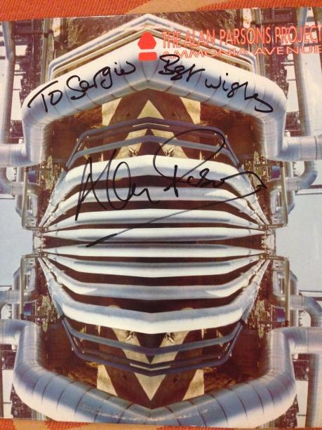 """Disco """"Amonnia Avenue"""" autografiado a Sergio Lugo por Alan Parsons 2014."""