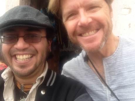 """Kenny Cetera quien interpreta canciones de """"Chicago"""" y de The Eagles. Es hermano de Peter Cetera. Con Sergio Lugo."""