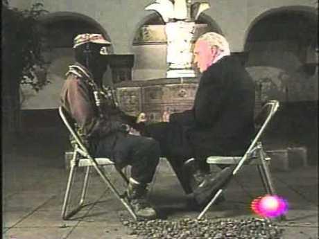 Scherer con el Sub Comandante Marcos. Imagen tomada de Internet.